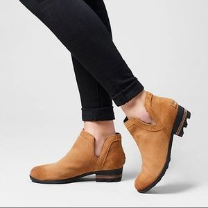 NEW Sorel Lolla Cutout Bootie Ankle Boots 9.5